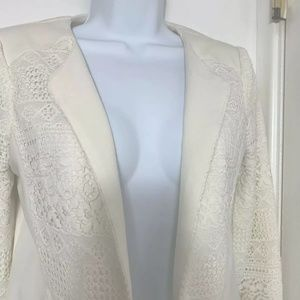 Elodie Woman's Blazer SZ S color Ivory long sleeve
